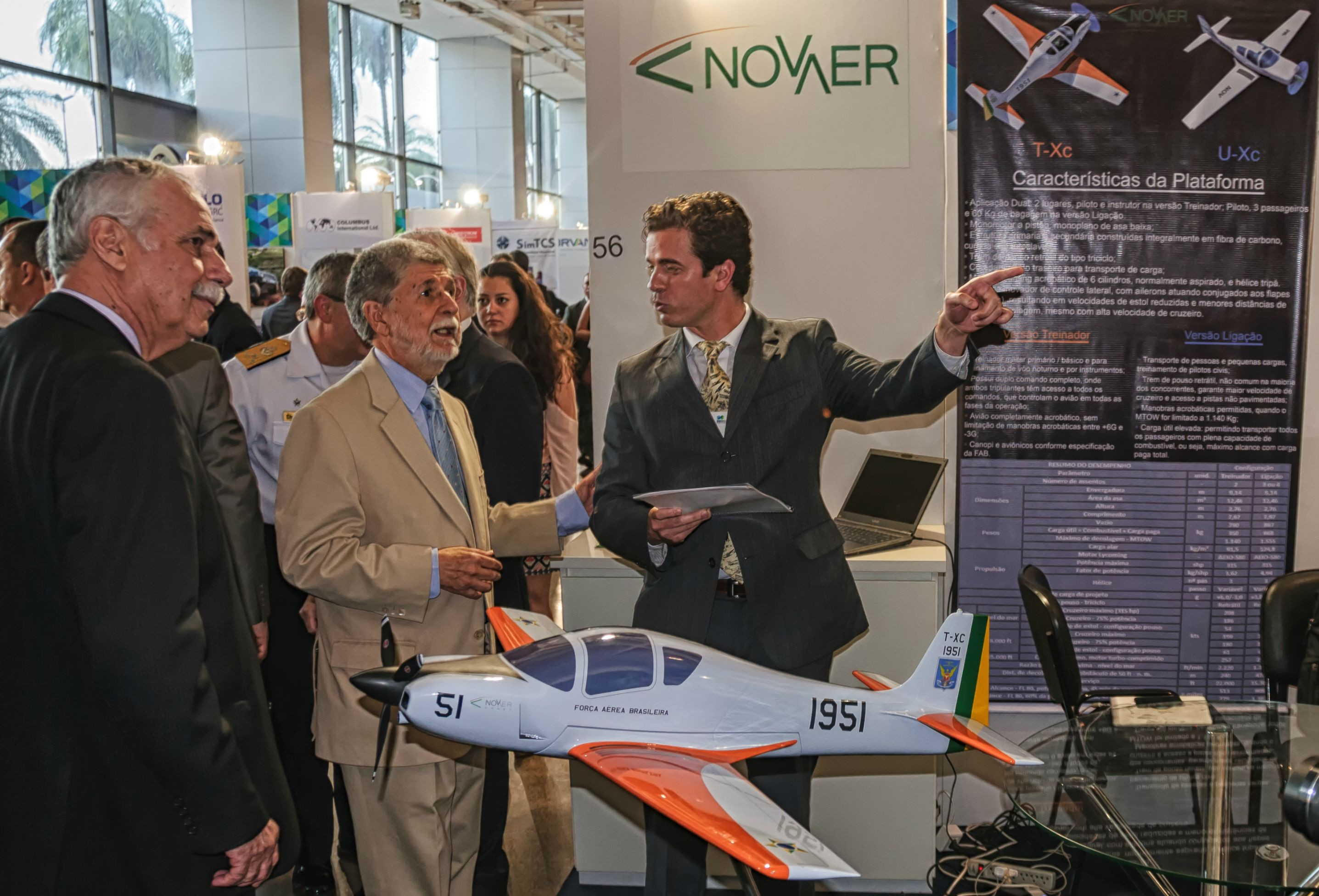 Brazil's Defense Minister visits Novaer's stand at the 3rd Brazil Defense Expo